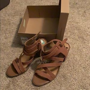 NWT Tan wedges